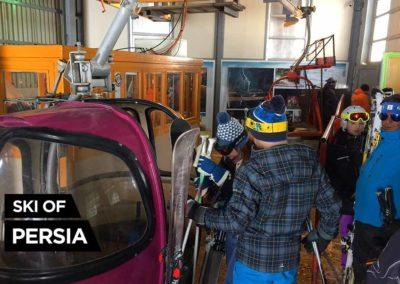 Un oeuf d'un télécabine POMA dans la station de ski de Dizin