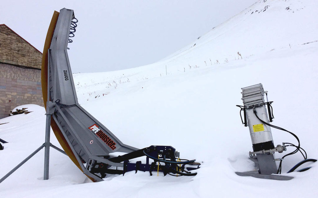 Half Pipe snow machine in Palandoken ski resort