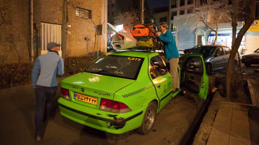 Taxi pour monter en station de ski en Iran
