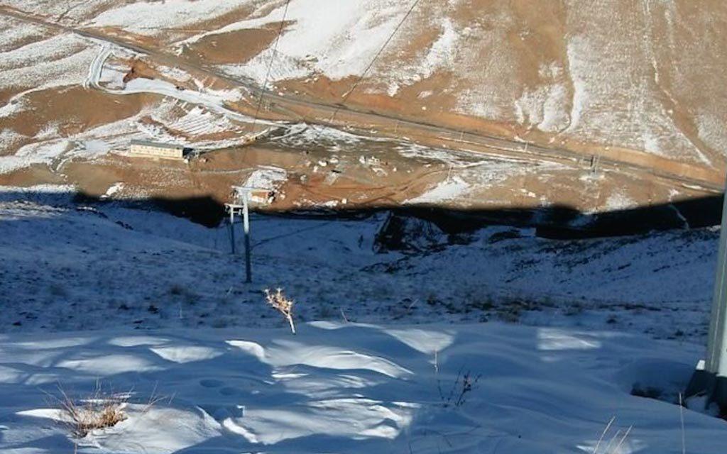Fereyndunshahr first snow falls 2018